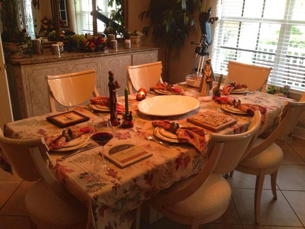 Traditional Thanksgiving Table