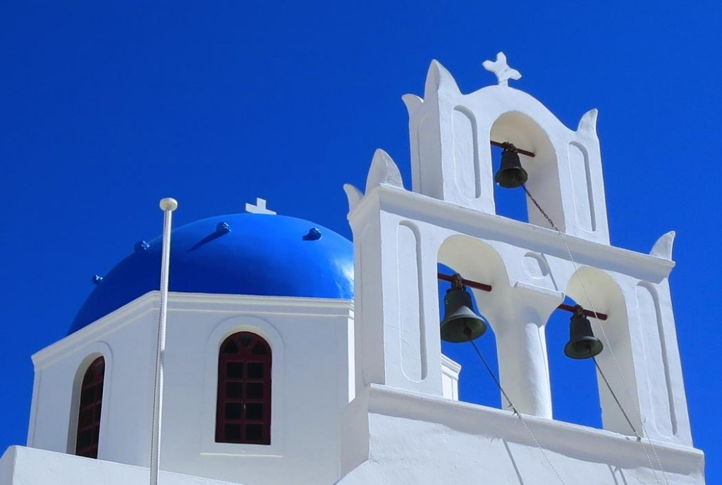 finding-the-blue-domed-church-oia-santorini