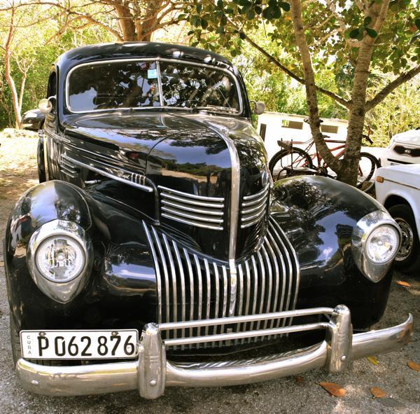 Antique Cuba Cars